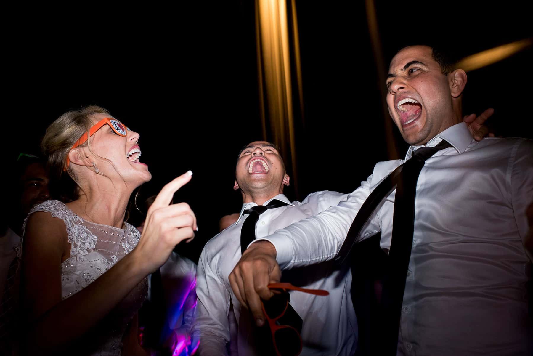 crazy wedding dancefloor photos
